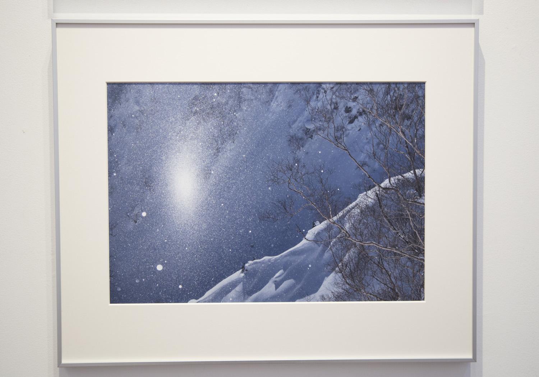 遠藤 励氏の写真にはどこか暖かい温もりと優しさを感じることができる。雪山の日常の姿も彼が撮影することでアートとして表現されていく