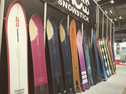 MOSS SNOWSTICK_ ゲレンデでのカービングターンや地形を使っての遊び、さらにはパウダーまで雪山を丸1日これ1台で楽しめます!