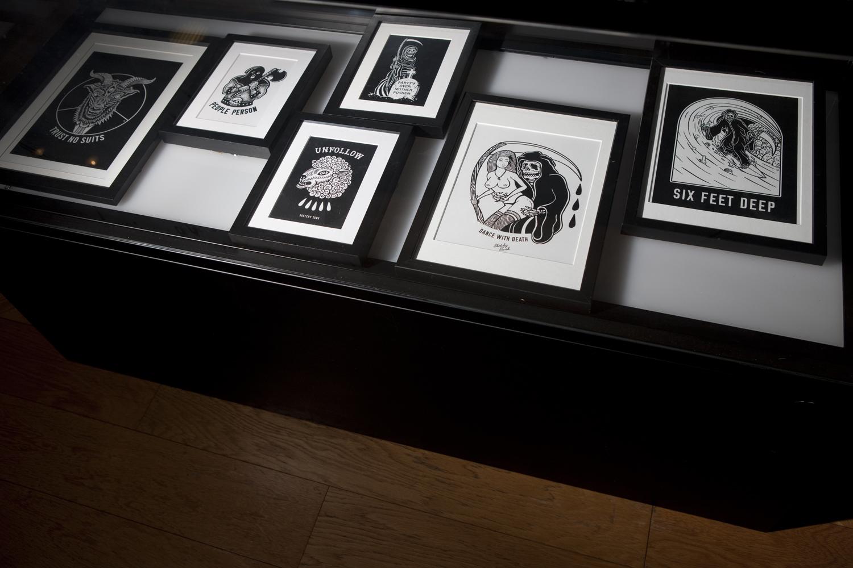 SKETCHY TANKのアートワークの数々、モノクロで彼の世界観が伺える