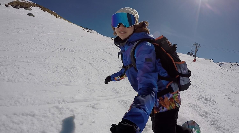 今年の9月にニュージーランドで撮影した1ショット。新たなスノーボードライフでは、ボード1枚を持って世界中を旅するアイコン的なスノーボーダーになりたいと話していた