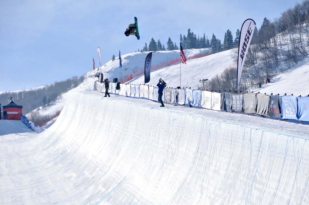 安藤南位登 PARKCITY W-CUP(courtesy U.S. Snowboarding)