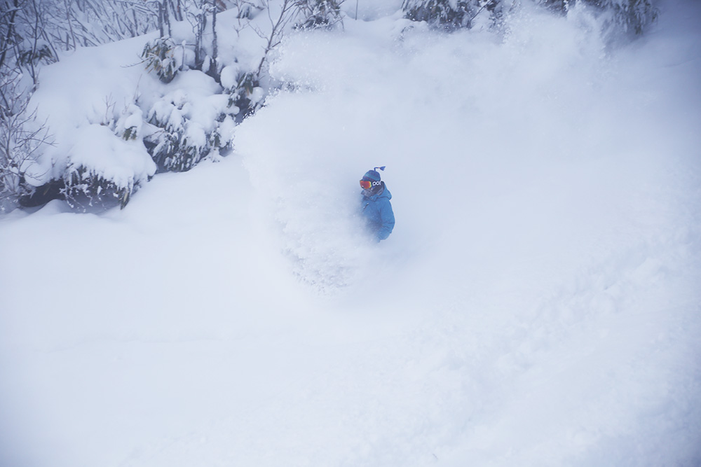 TSUGAPOW。4m超えの降雪量と極上なディープパウダーの世界を思う存分堪能しよう