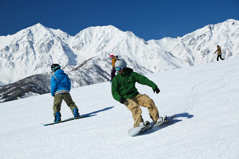 白馬岩岳スノーフィールドは、北アルプスの絶景が見られるゲレンデ№1です。