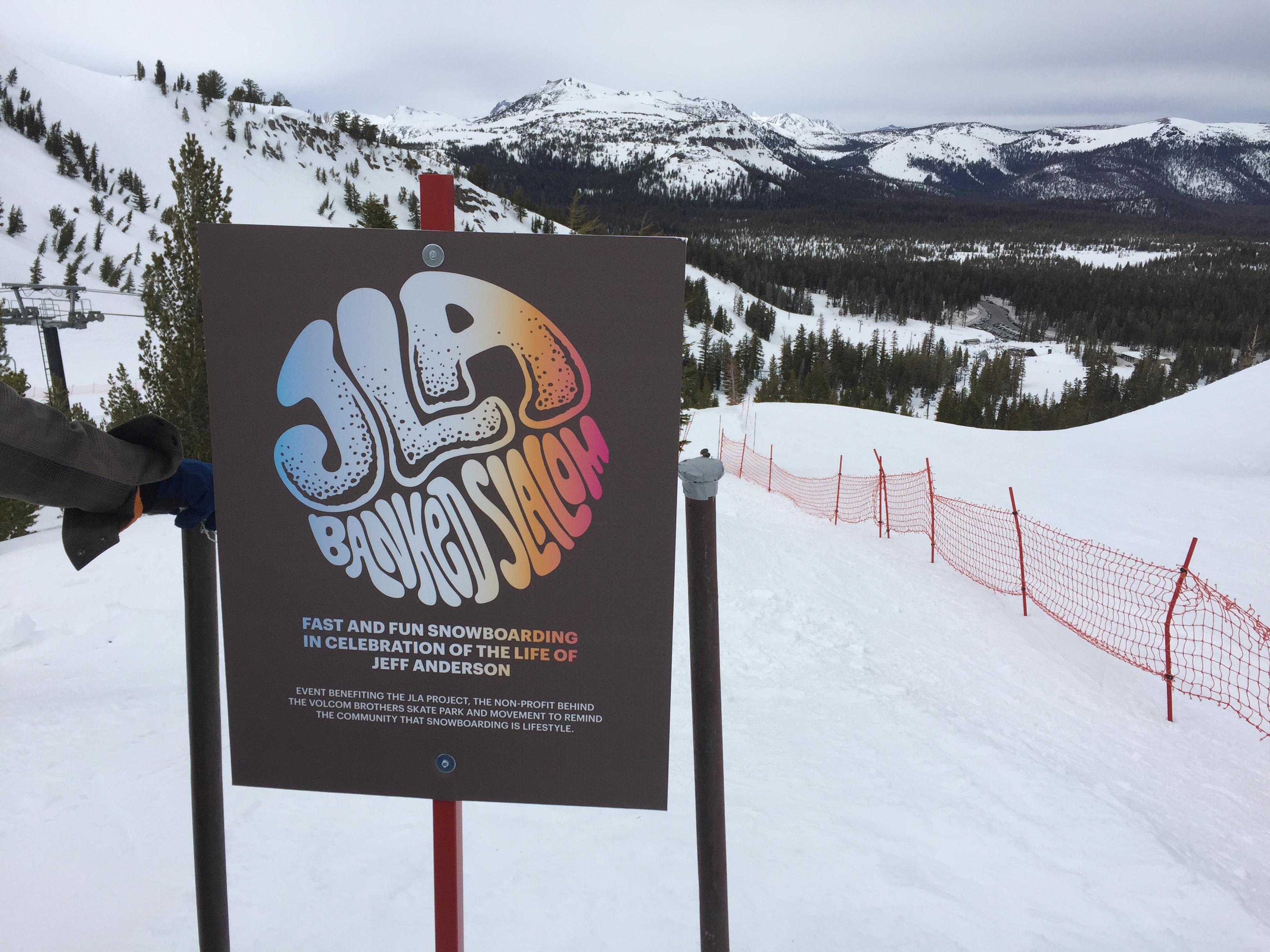 今回で5回目となるJLA banked slalomはマンモスのナチュラルパイプを使ってコースが作られた