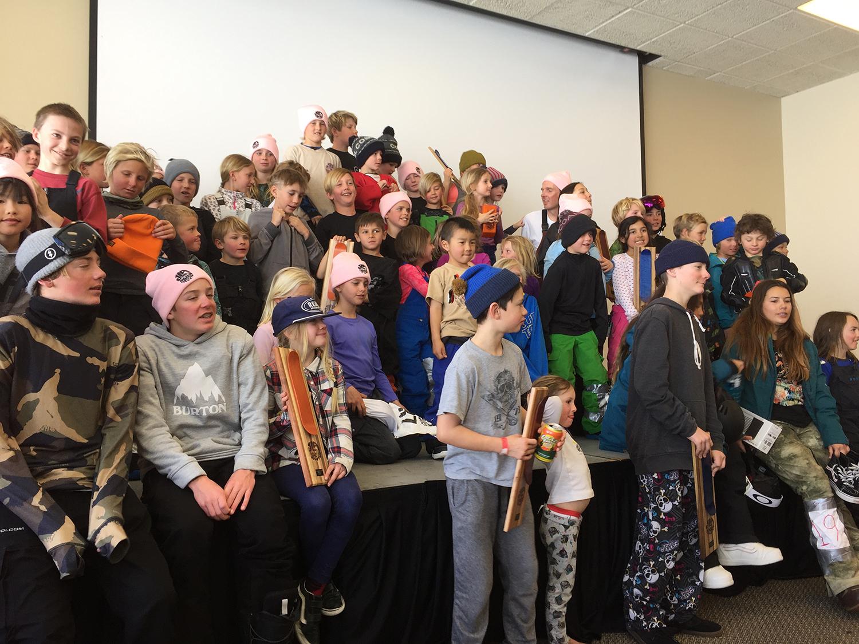 キッズクラスの子供たち。この子たちが明るいスノーボード界の未来を創り、この大会の意味を深く感じて伝えていってくれることを願う