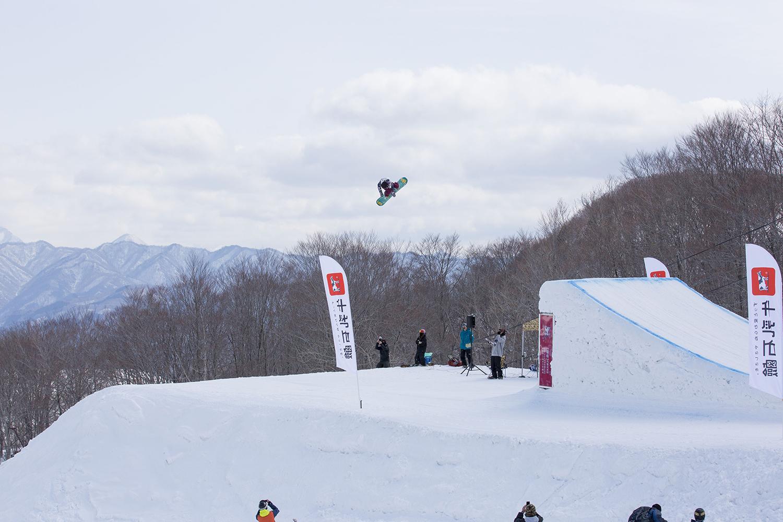 Rider: Kokomo Murase 唯一ガールズで勝ち上がって来たココモ。メンズに負けずいい滑りをしていた