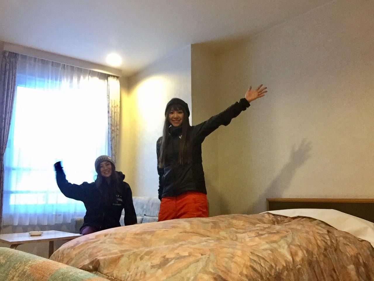 ゲレンデ目の前のホテルにテンションが上がり旅の疲れも吹っ飛ぶ!