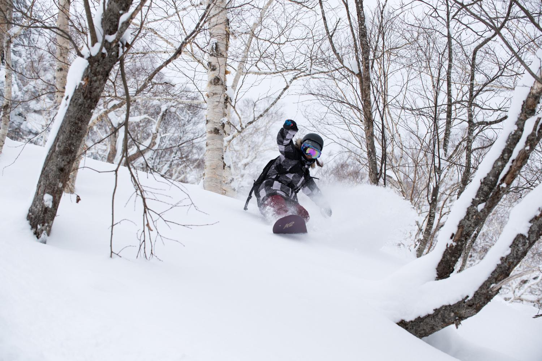 スノーボードを履けば自分が違う動物になれる 上田ユキエ Photo: Takahiro Nakanishi