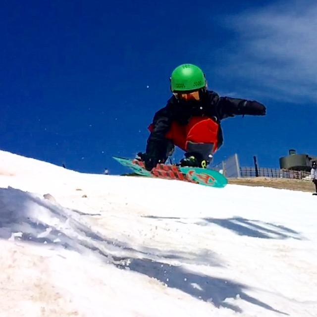 我が子の成長を一番近くで見て感動できるのは、スノーボーダー冥利に尽きる。いつまでもカッコよく滑り続けたいと思う気持ちも与えてもらえる