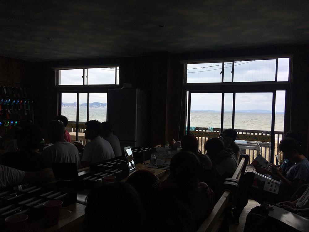 勉強会の会場は海沿いの施設で行われました。勉強会の前にはSUPなどの海遊びもあったとか。
