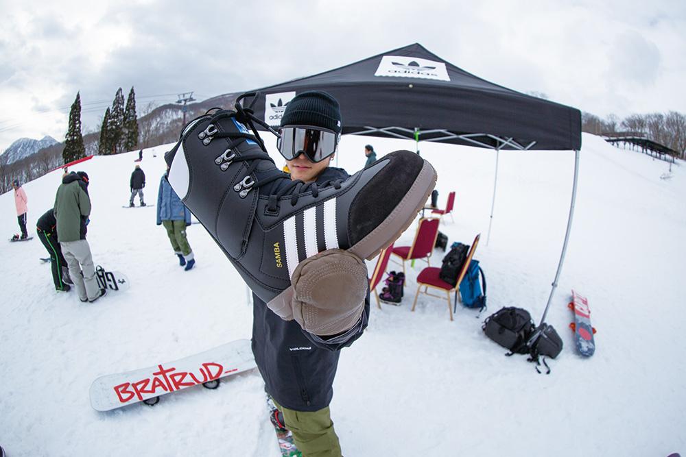 同じくadidas Snowboarding チームライダーの小川凌稀