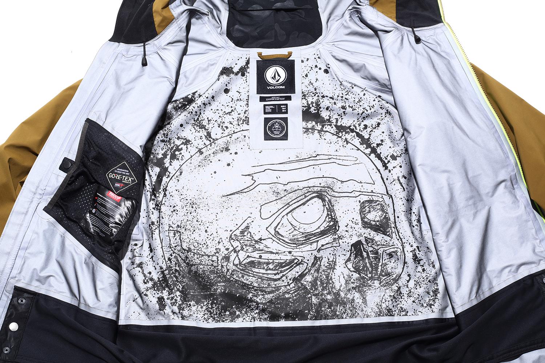 ジャケットの内側にはグッチのインスピレーションを表現したアートが描かれている