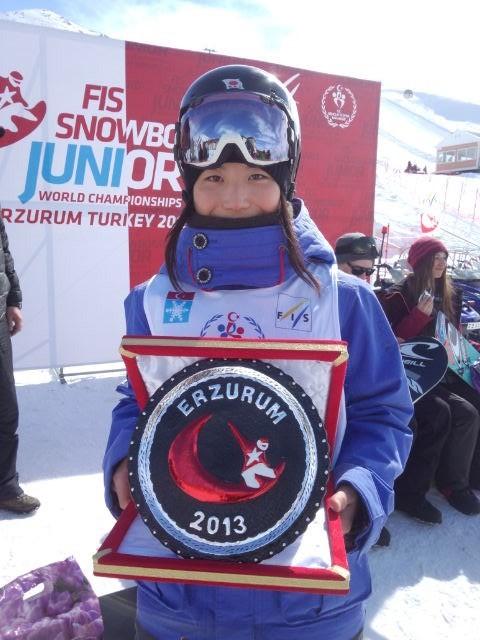 FISスノーボードジュニア選手権で4位になるなど、高校に進学すると海外遠征も増えた
