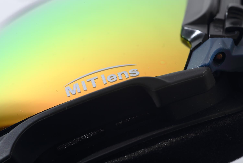 MIT lens レンズの内側にミラー層を配置することで、表面のキズ防止コーティングを活かしながらミラー層には傷がつかないというDICE独自のレンズテクノロジー