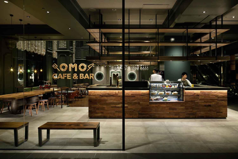 ▲OMO カフェ & バル 06:30~22:00。時間帯によって異なる雰囲気を楽しめる集いの場。カジュアルに利用でき、ホテルの味を堪能できる