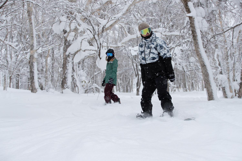 圧雪されていないツリーランのパウダーゾーンが多くあるのがこのゲレンデの特徴。 雪が降った次の日、ローカルたちはまっさきにここへ向かうのだろう。