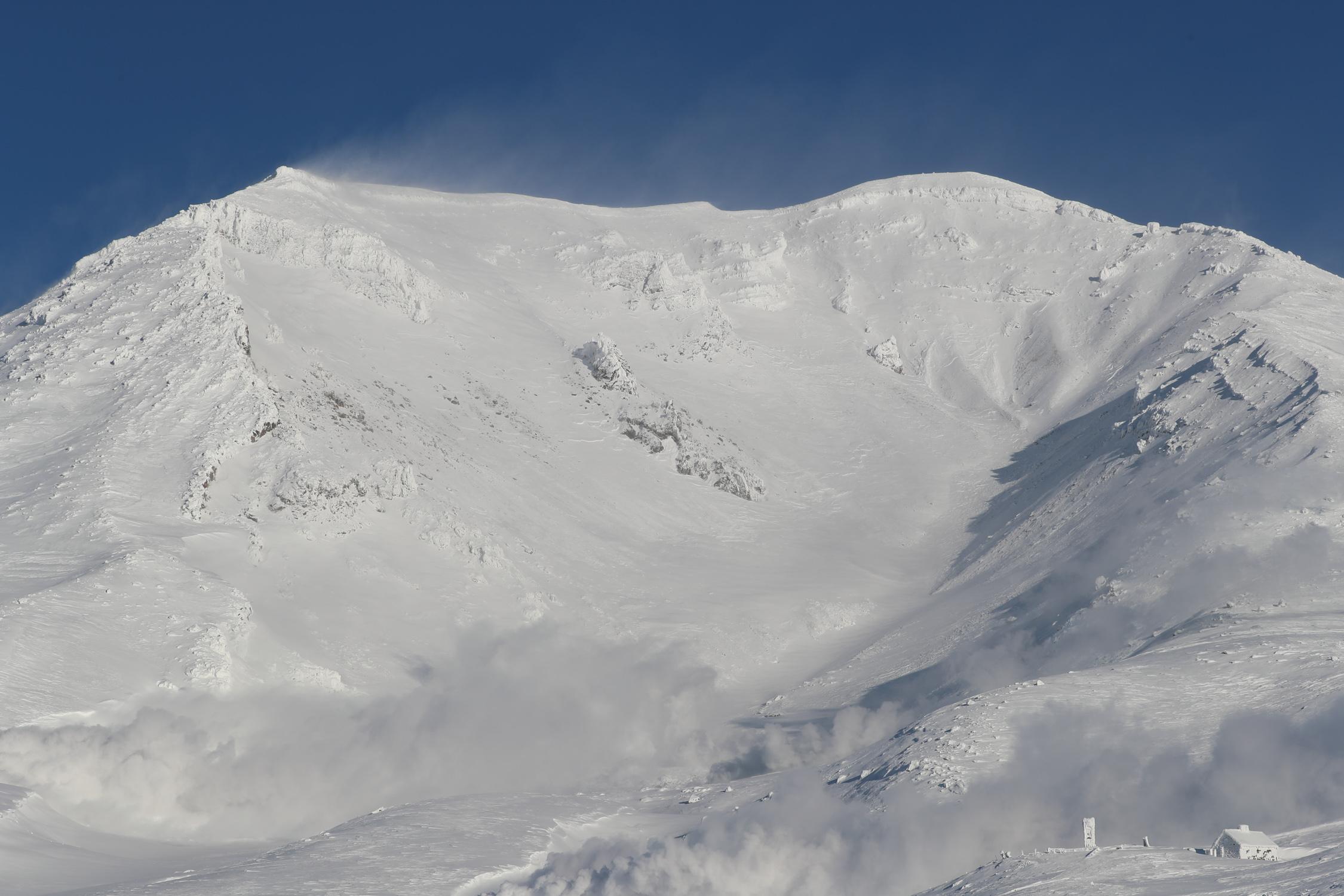 ちなみにドピーカンの「The Day」状態の旭岳はこんな感じ。2019年1月の写真です。