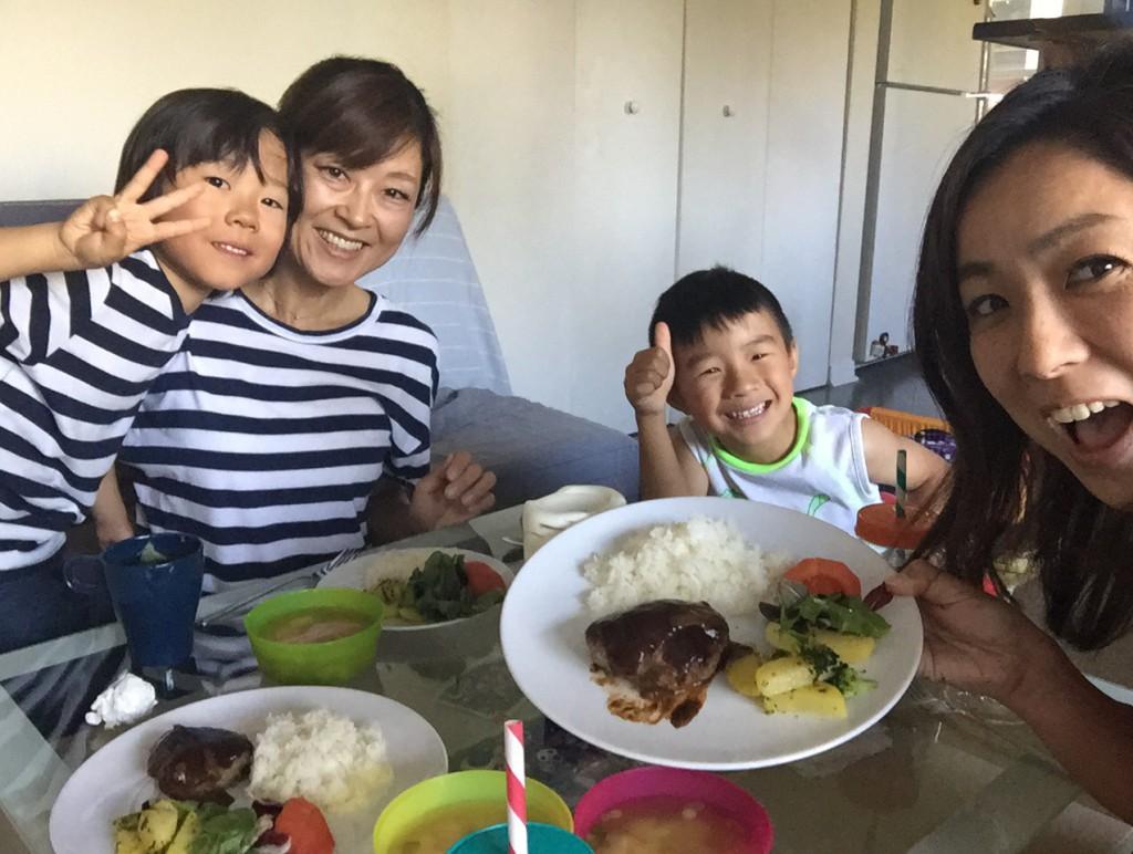 どこにいてもお母さんの手料理が食べられれば子供は元気になる!子供には環境の変化に流されないよう体調管理に気を使うのも楽しく過ごすための大切なポイント